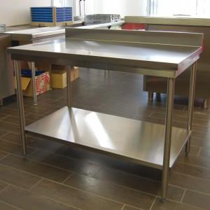 TABLE ECOLINE CENTRALE + ÉTAGÈRE pour cuisine professionnelle